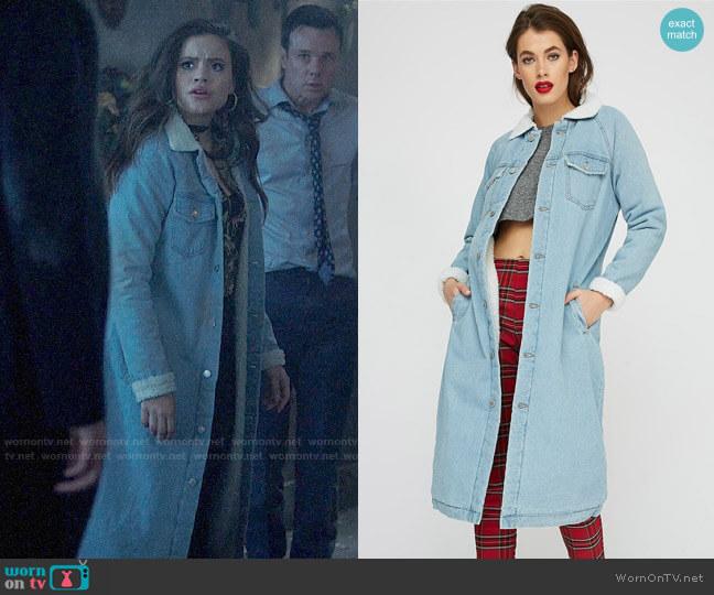 Urban Planet Revamped Stitches Sherpa Collar Longline Denim Jacket worn by Maggie Vera (Sarah Jeffery) on Charmed