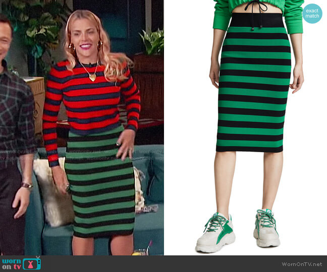 Veronica Beard Baker Skirt worn by Busy Philipps  on Busy Tonight