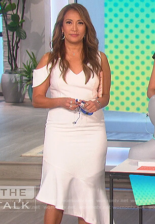 Carrie's white asymmetric dress on The Talk