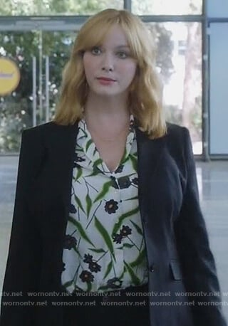 Beth's white floral print blouse on The Good Girls