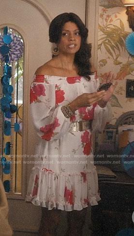 Xiomara's floral off-shoulder dress on Jane the Virgin