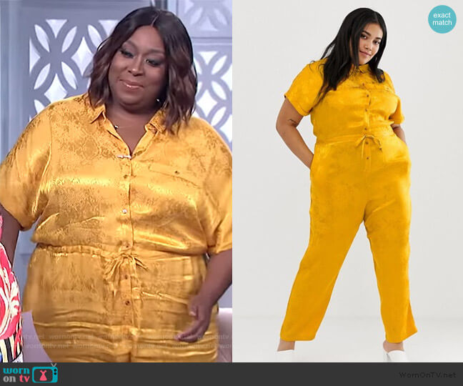 Curve snake animal jacquard jumpsuit by ASOS worn by Loni Love  on The Real