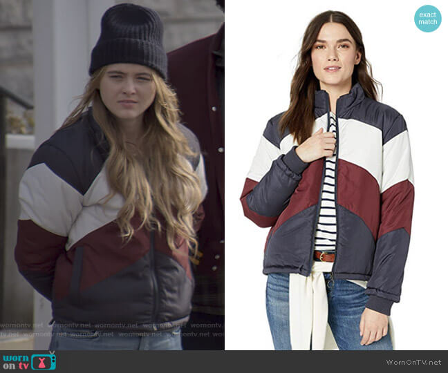 Atom Purffer Jacket by The Fifth Label worn by Allie Pressman (Kathryn Newton) on The Society