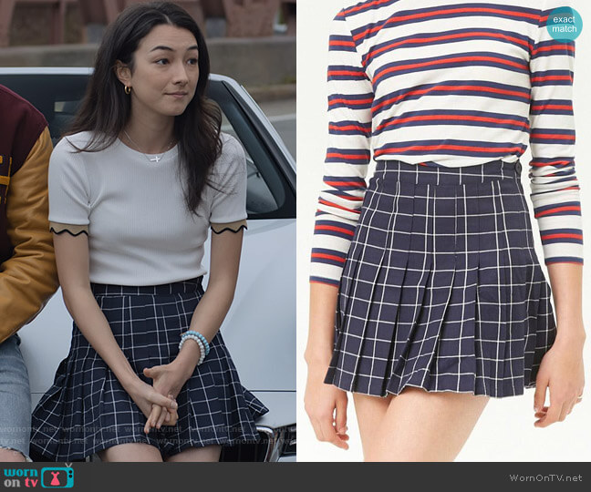 Grid Knife Pleat Mini Skirt in Blue by Forever 21 worn by Helena (Natasha Liu Bordizzo) on The Society