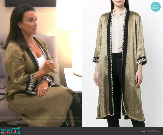 Contrast-Trim Metallic Kimono by Forte Forte worn by Kyle Richards  on The Real Housewives of Beverly Hills