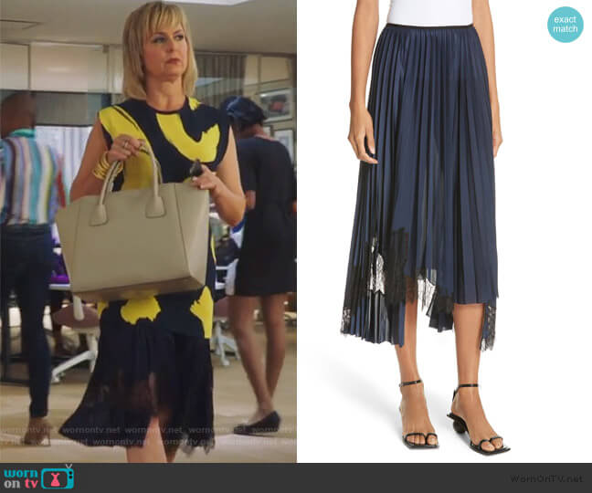 Pleated Lace Inset Skirt by Helmut Lang worn by Jacqueline (Melora Hardin) on The Bold Type