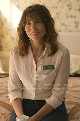 Judy's white lip print shirt on Dead to Me