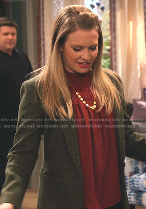 Liz's red smocked top and green blazer on No Good Nick