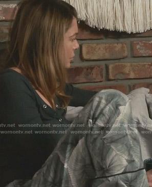 Meredith's green leaf print pajama pants on Grey's Anatomy