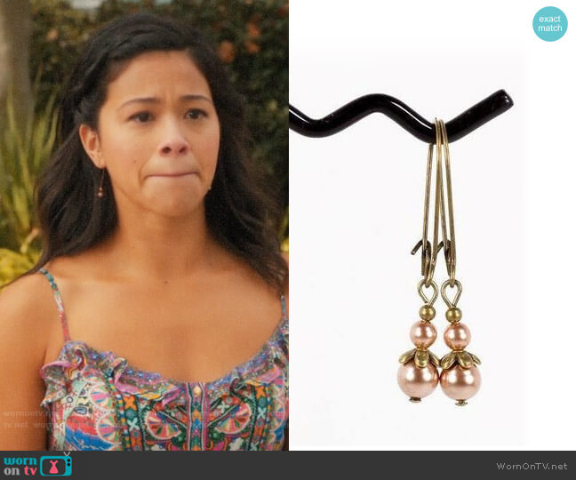 NouveauTique Pearl Antique Brass Drop Earrings worn by Jane Villanueva (Gina Rodriguez) on Jane the Virgin