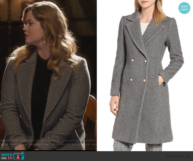 Chevron Coat Ted Baker worn by Alison DiLaurentis (Sasha Pieterse) on PLL The Perfectionists
