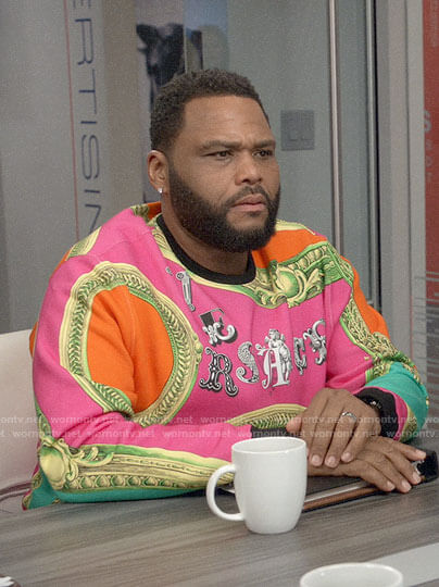 Andre's pink frame print sweatshirt on Black-ish