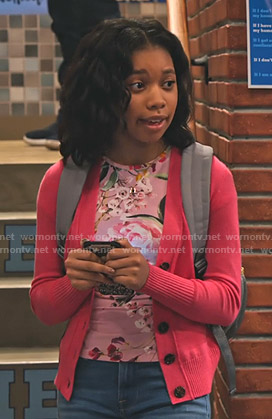 Becky's pink floral top on No Good Nick