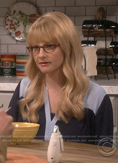 Bernadette's blue colorblock top on The Big Bang Theory