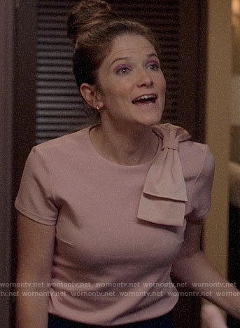 Beth's pink top with bow shoulder on Veep