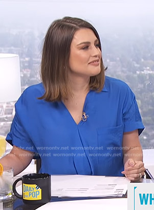 Carissa's blue v-neck top on E! News Daily Pop