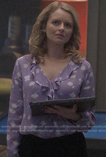 Kara's grey blazer on Supergirl