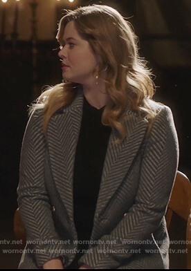Ali's gray chevron coat on Pretty Little Liars The Perfectionists