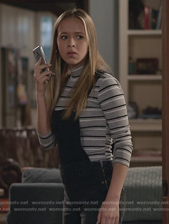 Sam's gray striped turtleneck sweater on Life in Pieces