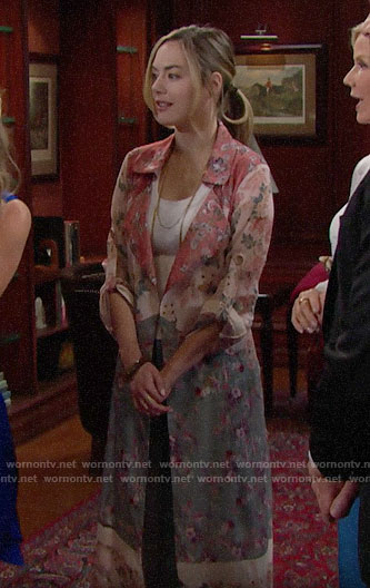 Hope's floral duster on The Bold and the Beautiful
