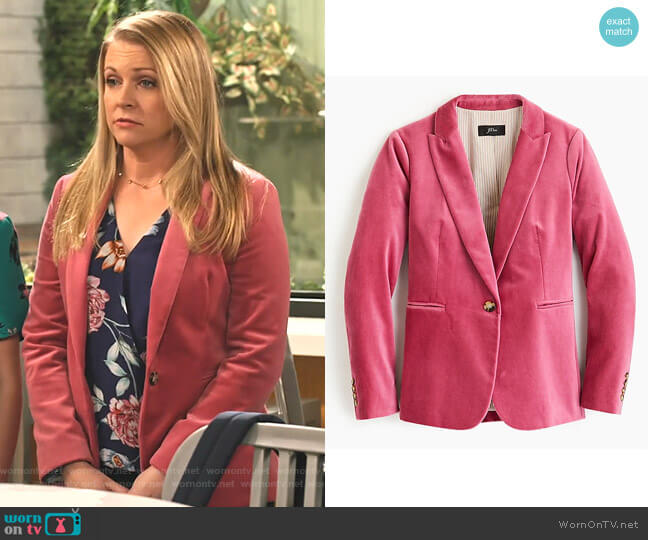 Parke Blazer in Velvet by J.Crew worn by Liz (Melissa Joan Hart) on No Good Nick