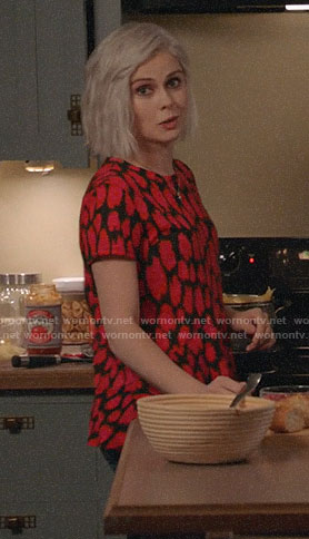 Liv's red and black printed tee on iZombie