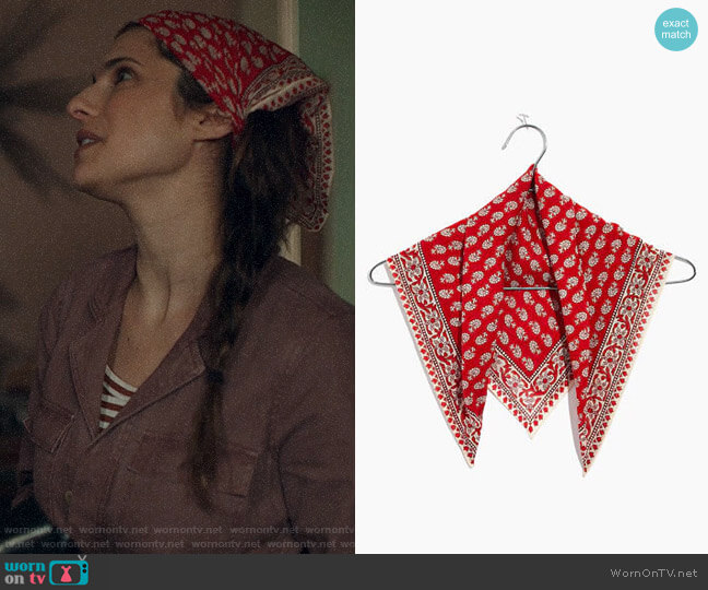 Madewell Tropical Coral Bandana worn by Rio (Lake Bell) on Bless This Mess