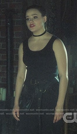 Maggie's black cargo pants and tank top on Charmed