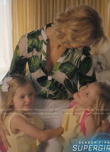 Petra's leaf print top on Jane the Virgin