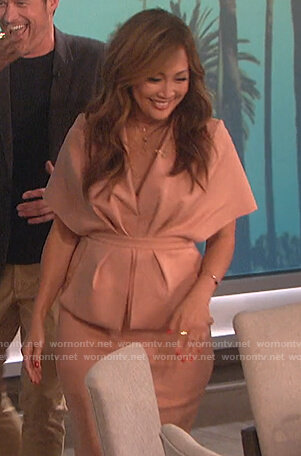 Carrie's pink plunging midi dress on The Talk