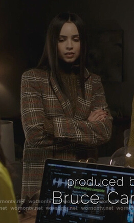Ava's plaid coat on Pretty Little Liars The Perfectionists