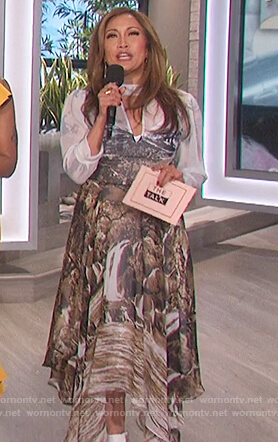 Carrie's printed asymmetric hem dress on The Talk