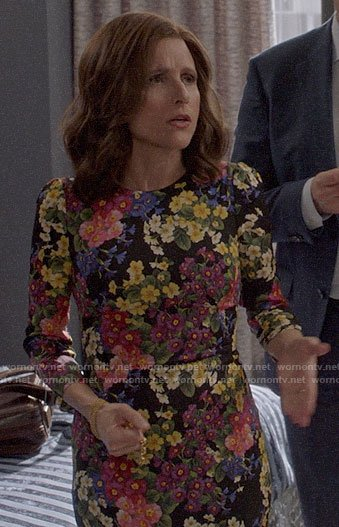 Selina's floral sheath dress on Veep
