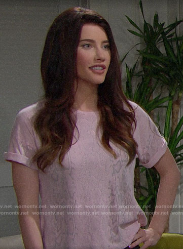 Steffy's pink snake print tee on The Bold and the Beautiful