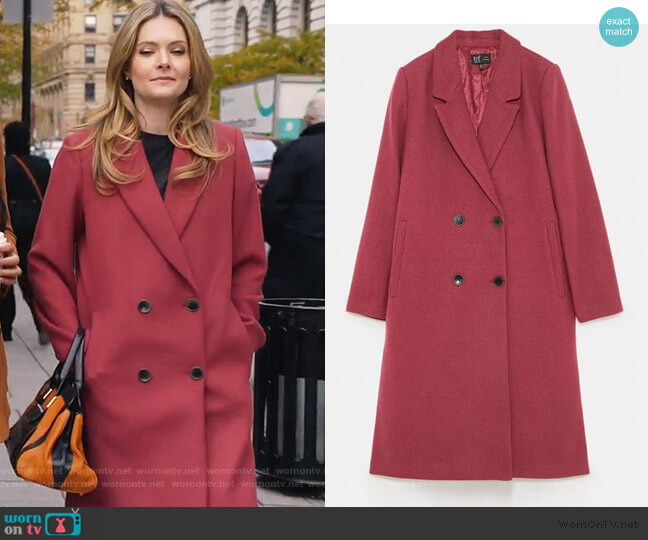 Long Coat by Zara worn by Sutton (Meghann Fahy) on The Bold Type