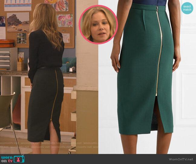 Arreton Skirt by Roland Mouret worn by Jen Harding (Christina Applegate) on Dead to Me