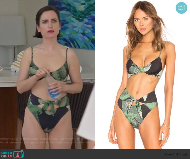 x Revolve Camilila Bikini Top and Bottoms by Beach Riot worn by Jennifer Short (Zoe Lister-Jones) on Life in Pieces