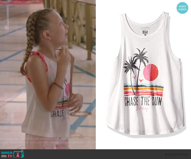Big Chase The Sun Tank by Billabong worn by Sophia Hughes (Giselle Eisenberg) on Life in Pieces