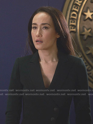 Hannah's black asymmetric blazer on Designated Survivor
