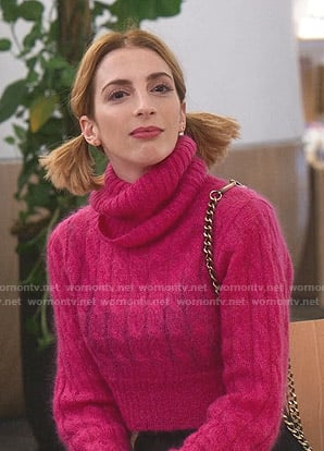 Lauren's pink cropped turtleneck sweater on Younger