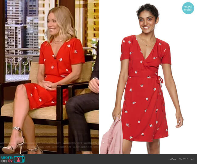 Printed Wrap Dress by Popsugar worn by Kelly Ripa  on Live with Kelly & Ryan