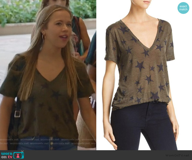 Star Tee by Rails worn by Samantha Hughes (Holly Barrett) on Life in Pieces