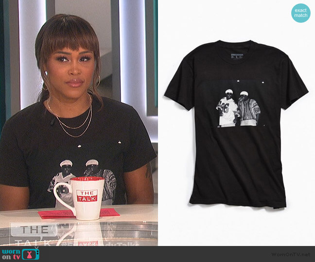 Biggie and Puffy Photo Tee by Urban Outfitters worn by Eve  on The Talk