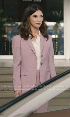 Alicia's pink suit on Grand Hotel