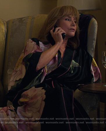 Dorothy's floral robe on Jessica Jones