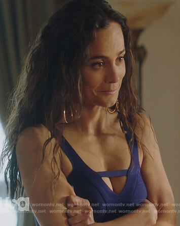 Teresa's blue crop top on Queen of the South