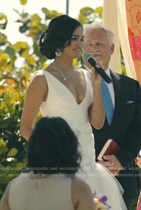 Carolina's wedding dress on Grand Hotel