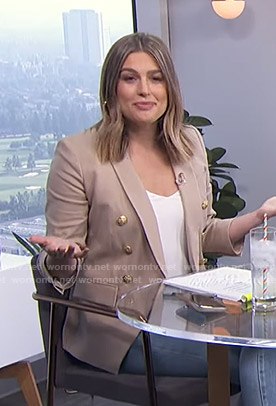 Carissa's beige blazer on E! News Daily Pop
