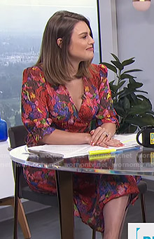 Carissa's floral wrap midi dress on E! News Daily Pop