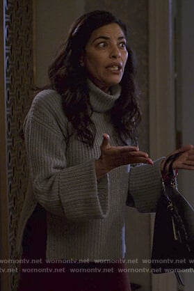 Kith's gray knit turtleneck sweater on Jessica Jones